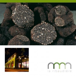 La truffe noire mélanosporum fraîche
